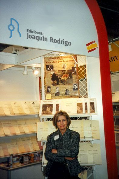 Cecilia Rodrigo at the Ediciones Joaquín Rodrigo stand at the Frankfurt Music Fair